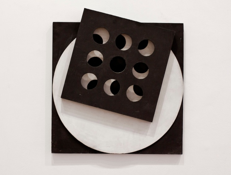 Constructive relief, before 1959, Painted wood black and white, 61 x 61 x 7 cm