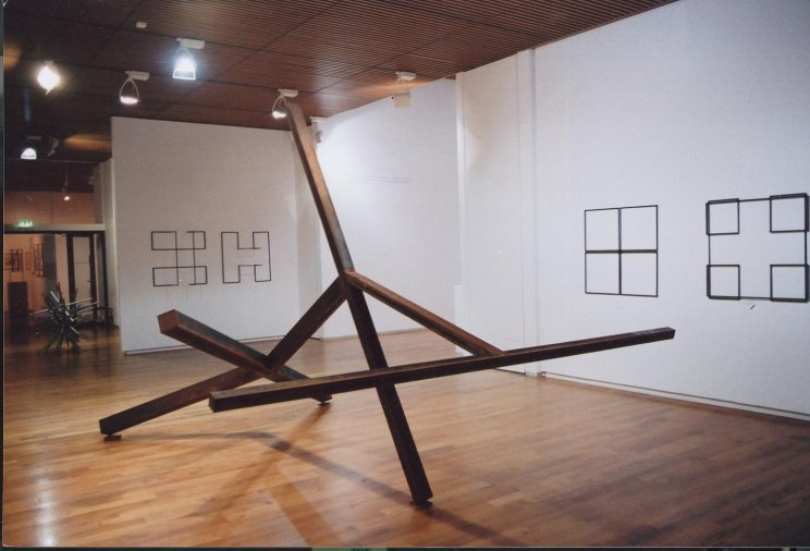 Norman Dilworth, Thun, 1994/2007, Corten Steel, installation shot